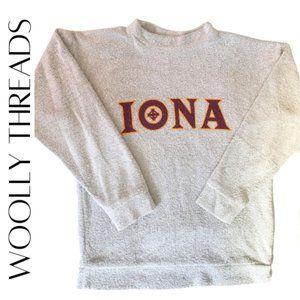 WOOLLY THREADS Light Gray IONA College Pullover Sweatshirt, M